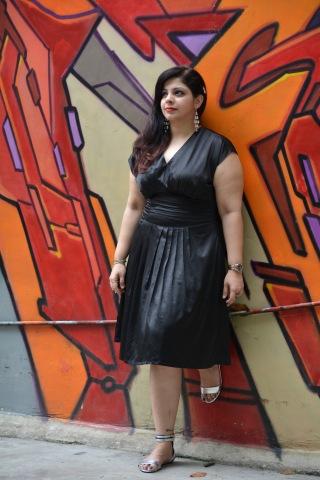 Ooh... black dress.. YESSSS